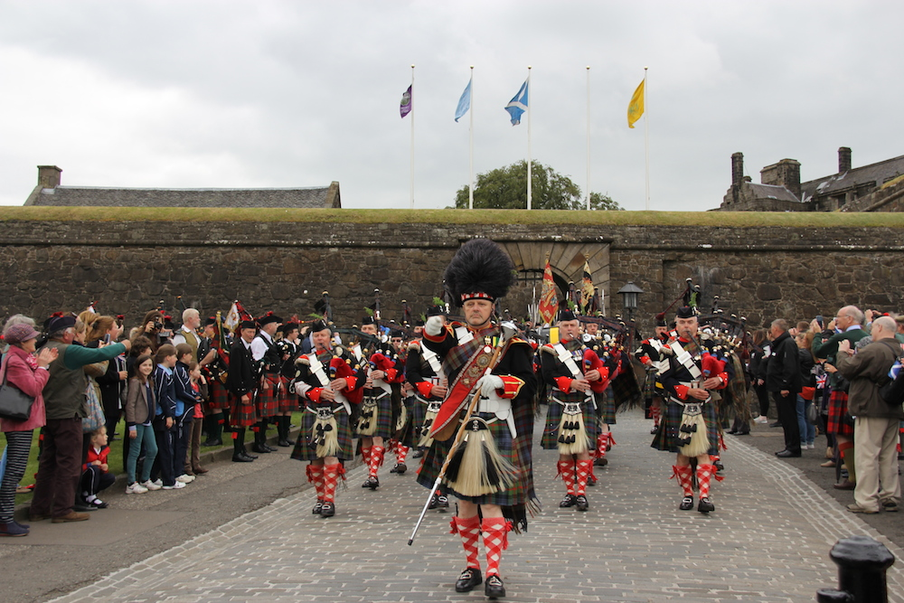 how to join the atholl highlanders